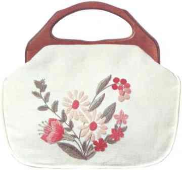 #352 Pink Daisies Bermuda Bag
